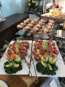 Seared ahi tuna and jumbo Cajun shrimp were served to Jet Card clients.