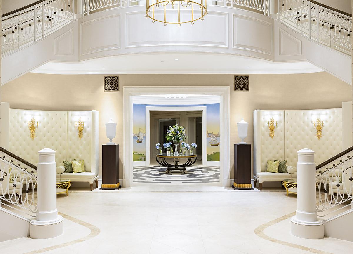 Hotel Bennett - Foyer Entrance