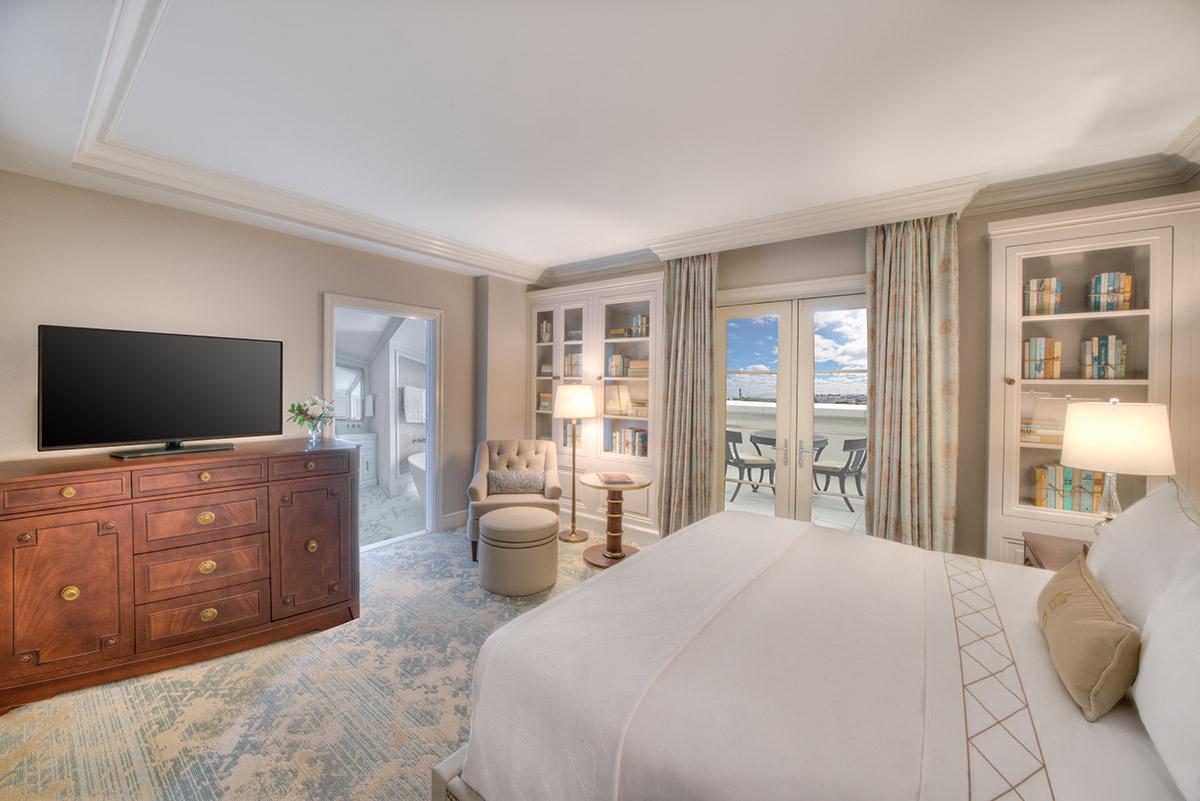 Hotel Bennett - Premier King Guestroom