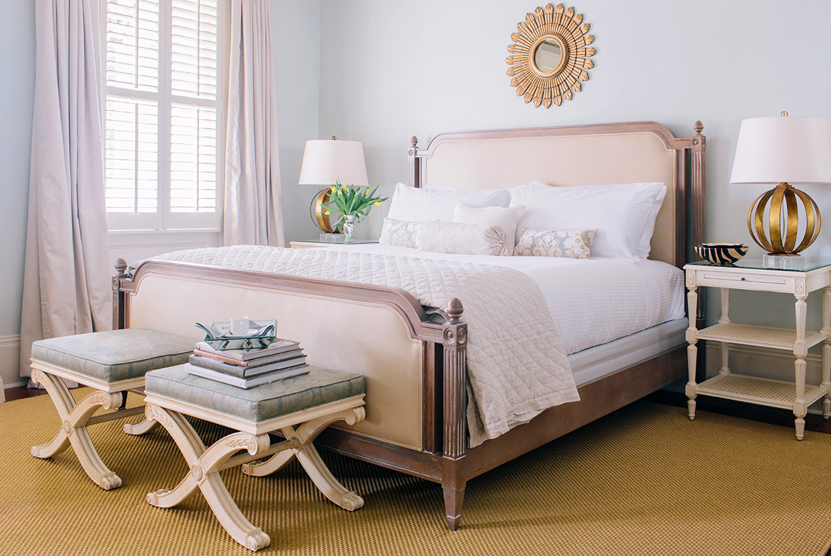 44_InteriorDesign_EastonPorter Group_Hotel Design Guest Room Bed - Alexandra Dunlop